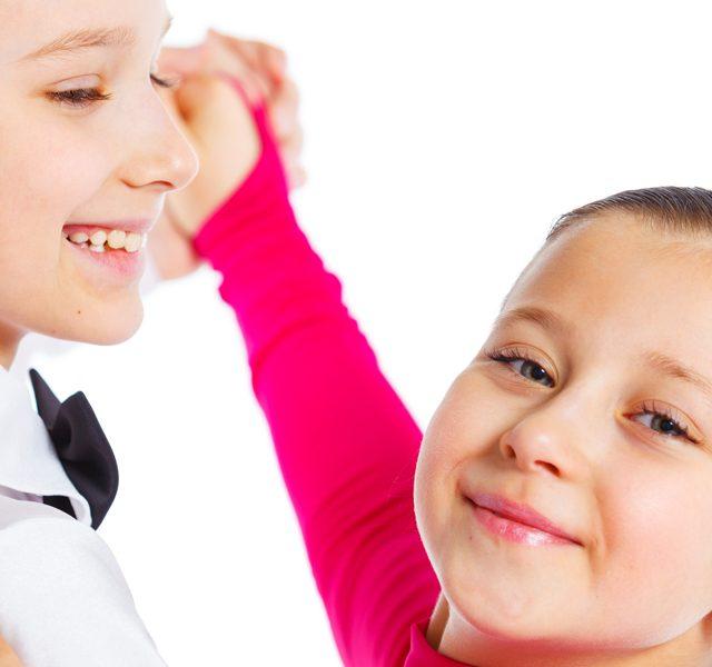 http://www.goldballroom.com/wp-content/uploads/2021/04/kid_dance_02-640x600.jpg